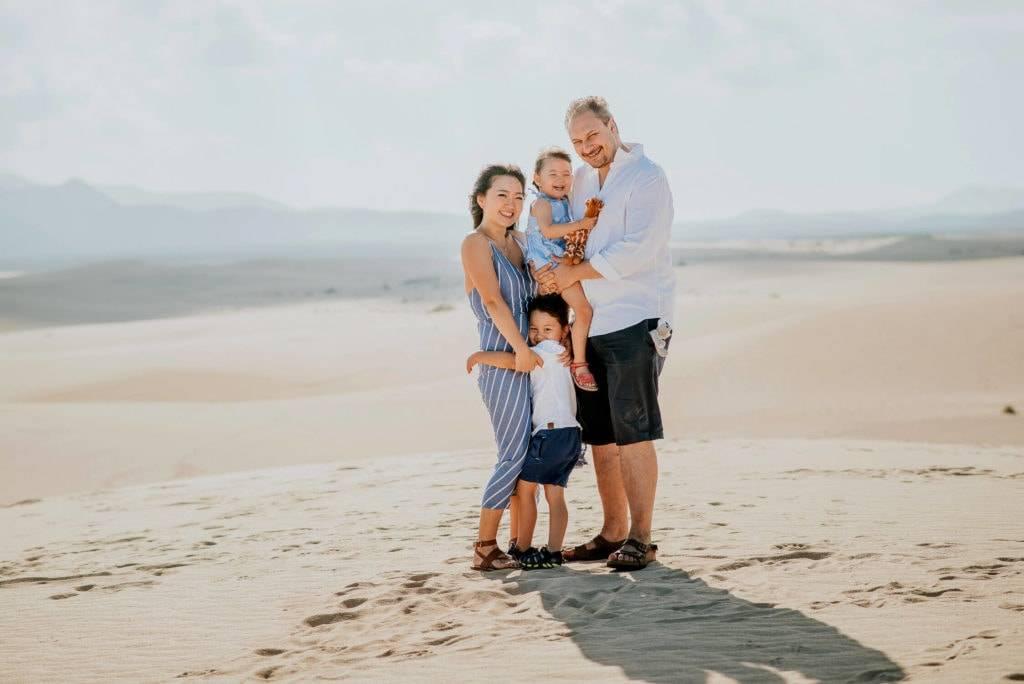 fuerteventura-family-photography-dunes-of-corralejo-beach-canary-islands-spain