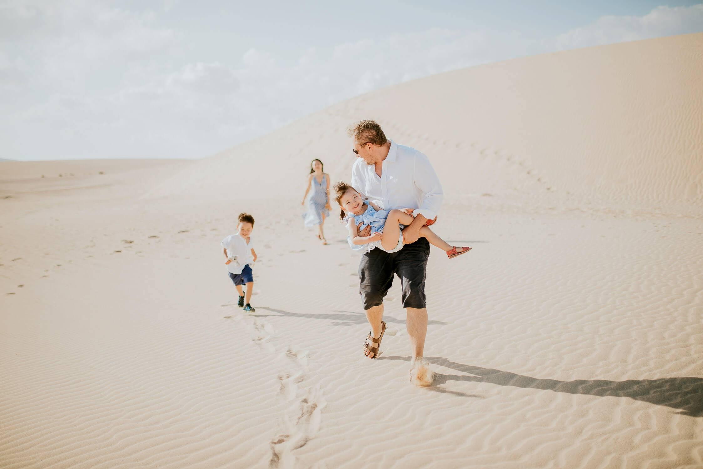 fuerteventura-family-photography-dunes-of-corralejo-beach-canary-islands-spain-12