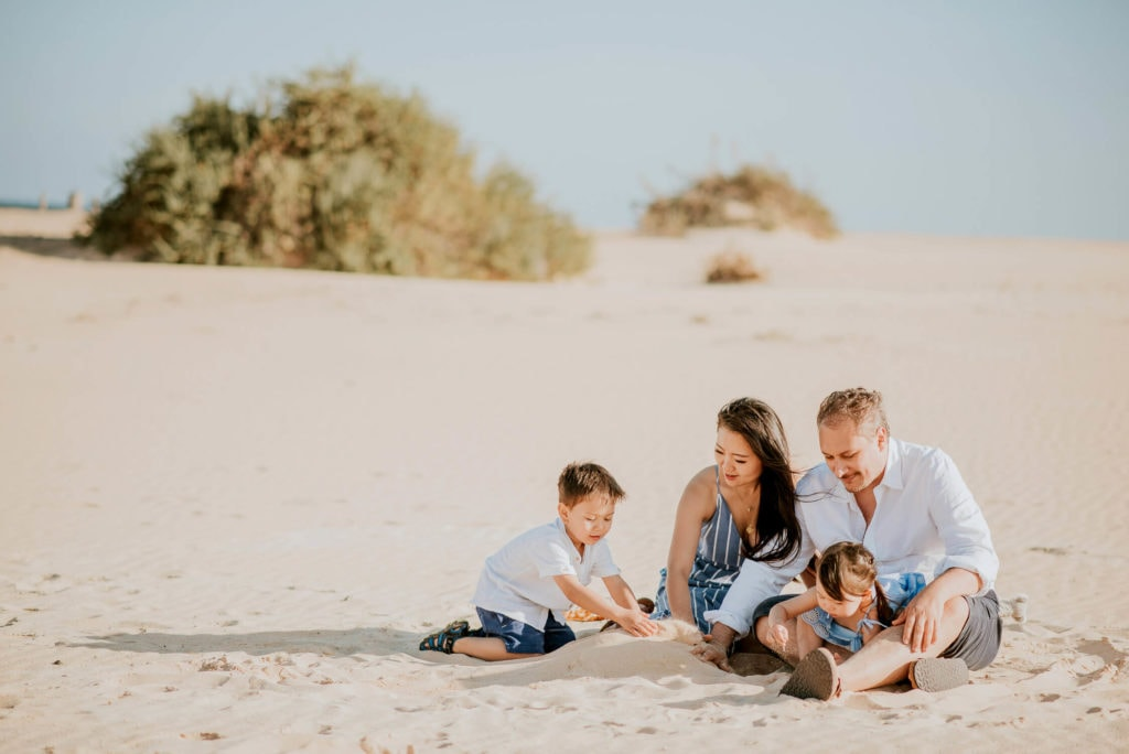 fuerteventura-family-photography-dunes-of-corralejo-beach-canary-islands-spain-13
