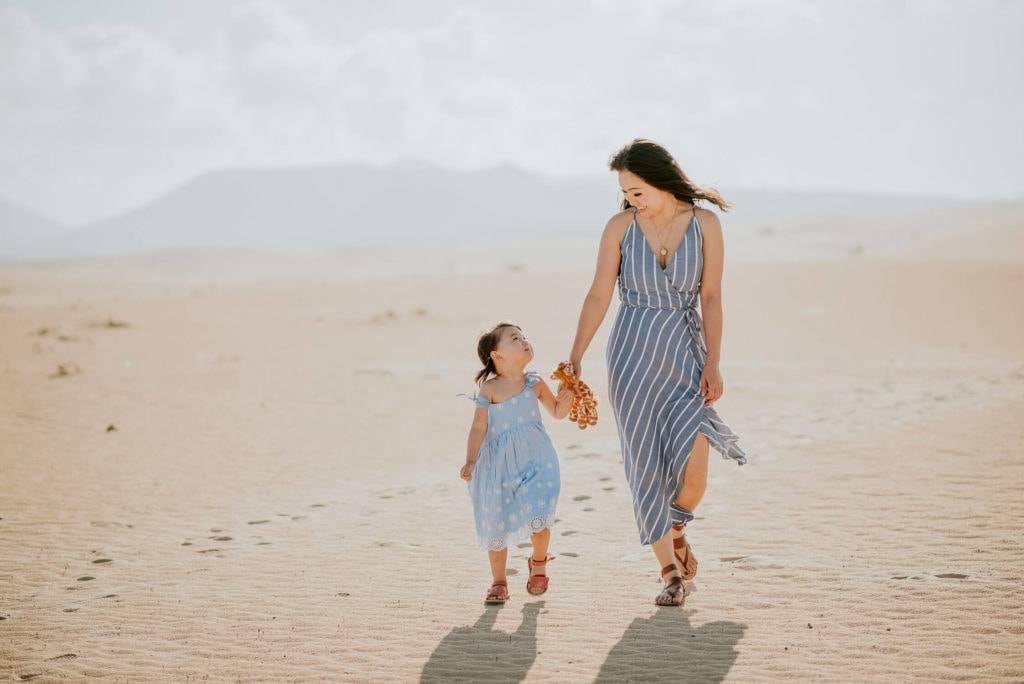 fuerteventura-family-photography-dunes-of-corralejo-beach-canary-islands-spain-14