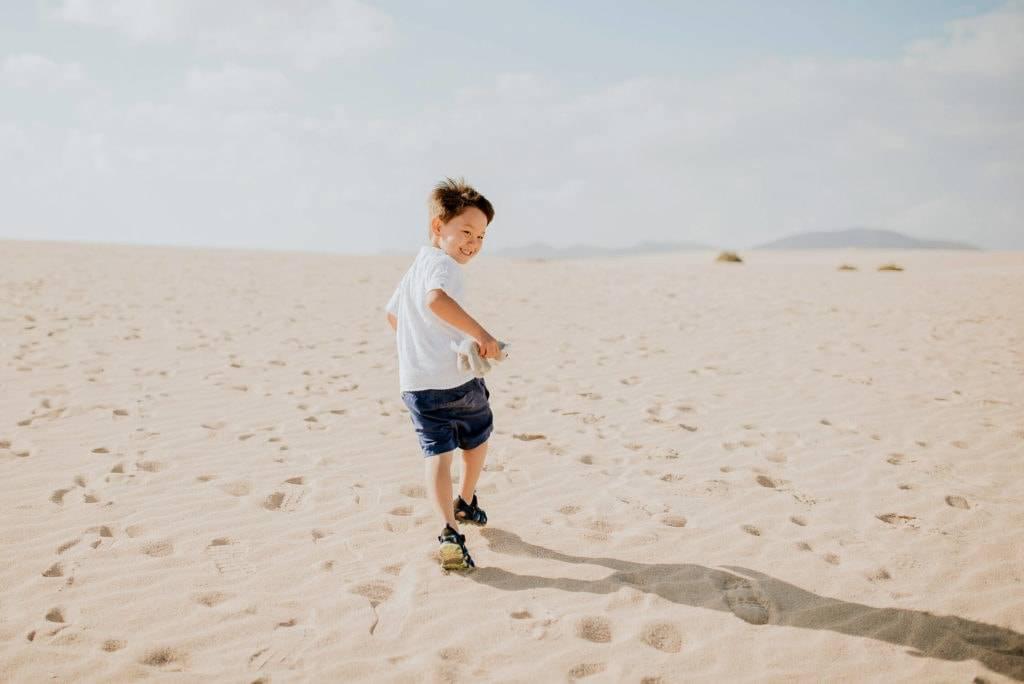 fuerteventura-family-photography-dunes-of-corralejo-beach-canary-islands-spain-3