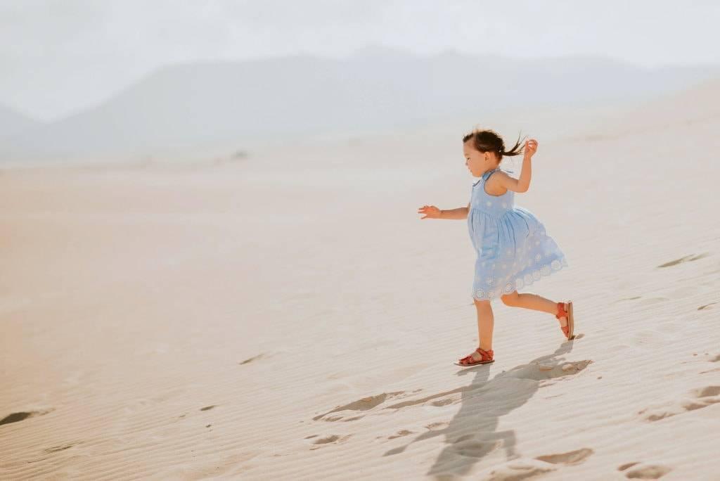fuerteventura-family-photography-dunes-of-corralejo-beach-canary-islands-spain-4