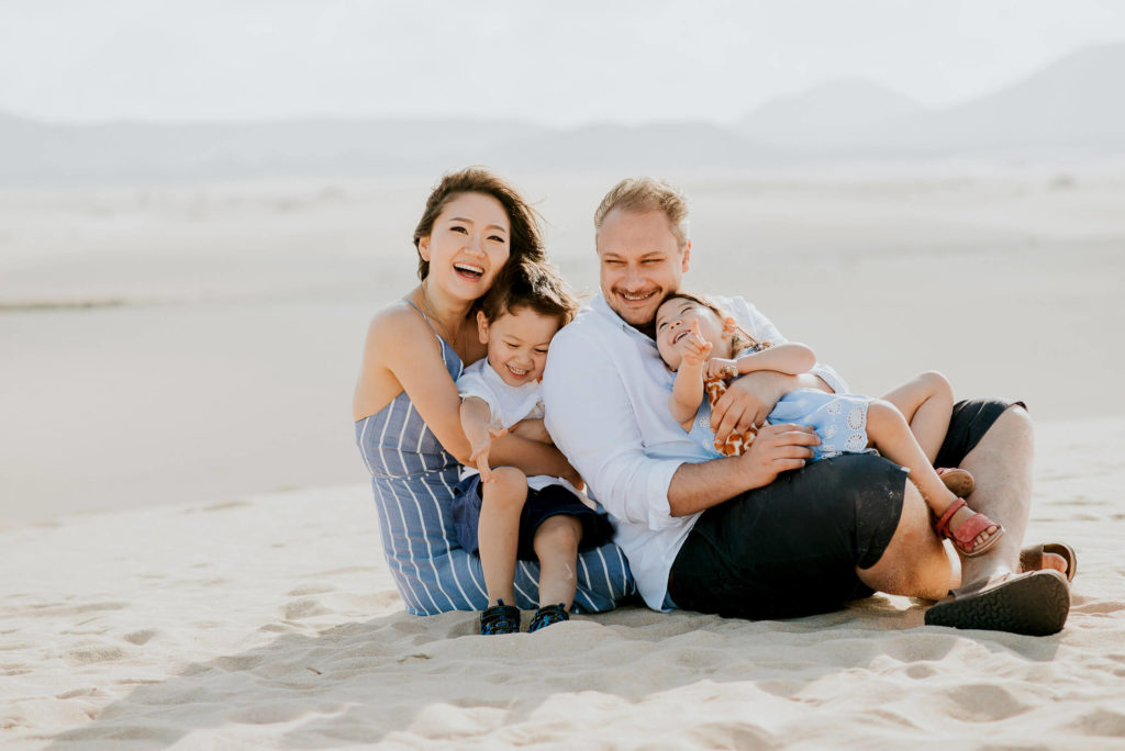 fuerteventura-family-photography-dunes-of-corralejo-beach-canary-islands-spain-8