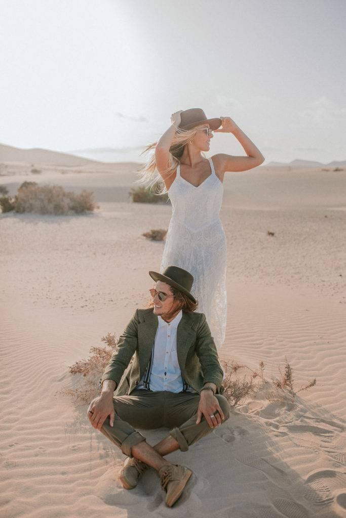fuerteventura-bohemian-couple-elopement-photographer-dunes-of-corralejo-10
