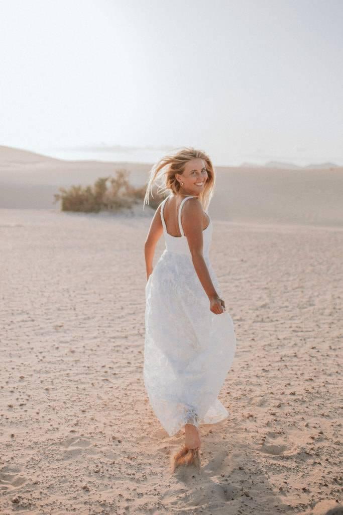 fuerteventura-bohemian-couple-elopement-photographer-dunes-of-corralejo-11