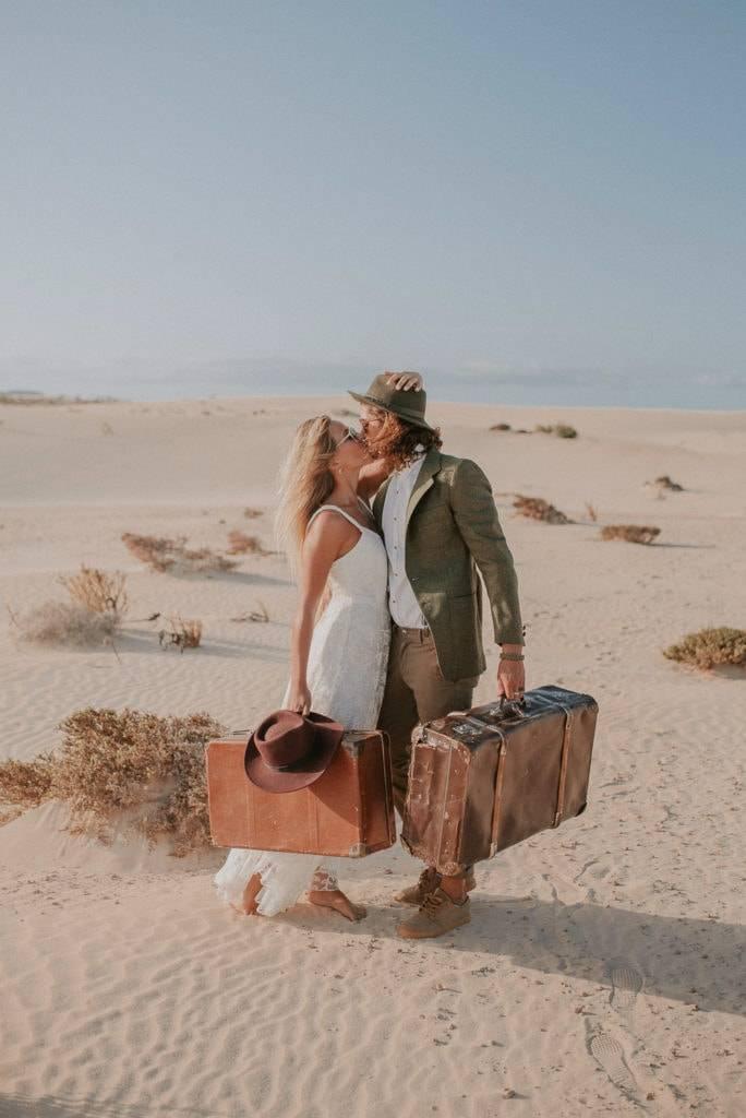 fuerteventura-bohemian-couple-elopement-photographer-dunes-of-corralejo-4