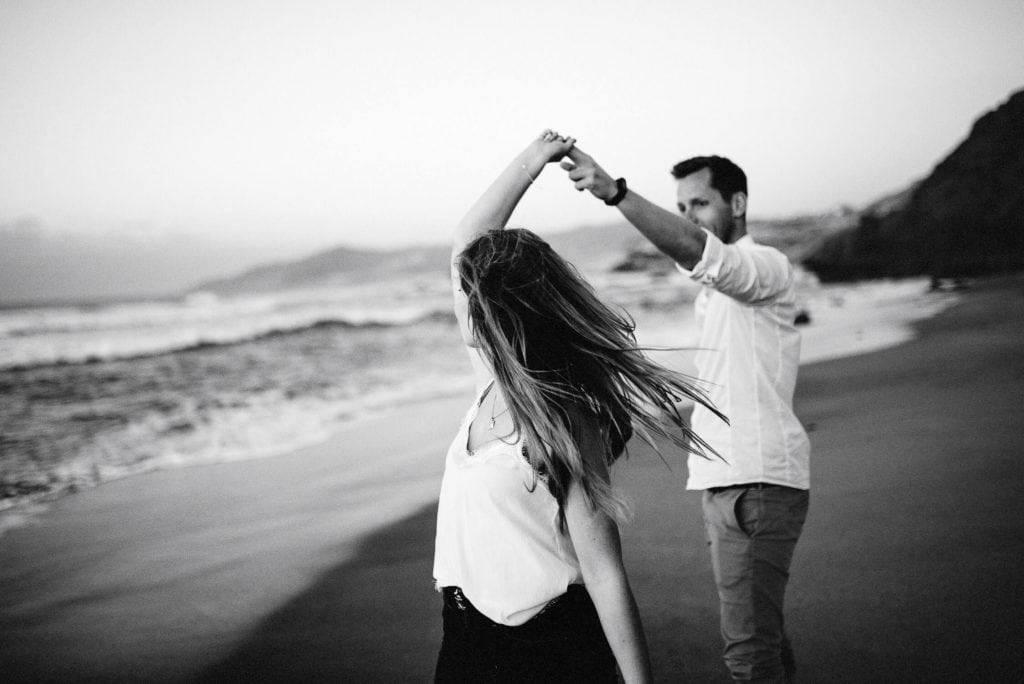 fuerteventura-couple-photography-lapared-beach-canary-islands-spain-10